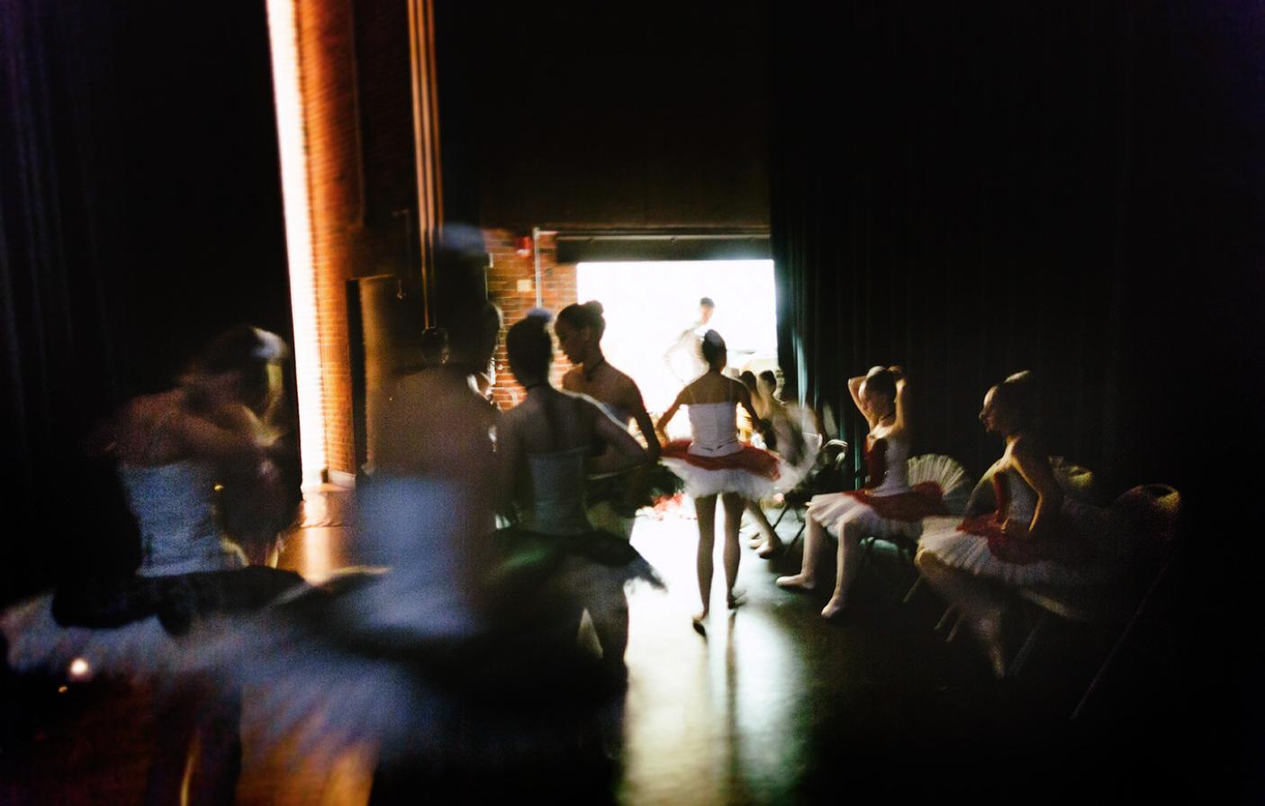 backstage ballet dancers